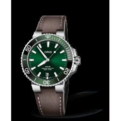 Reloj Oris Aquis Date automático de acero y piel marrón para hombre